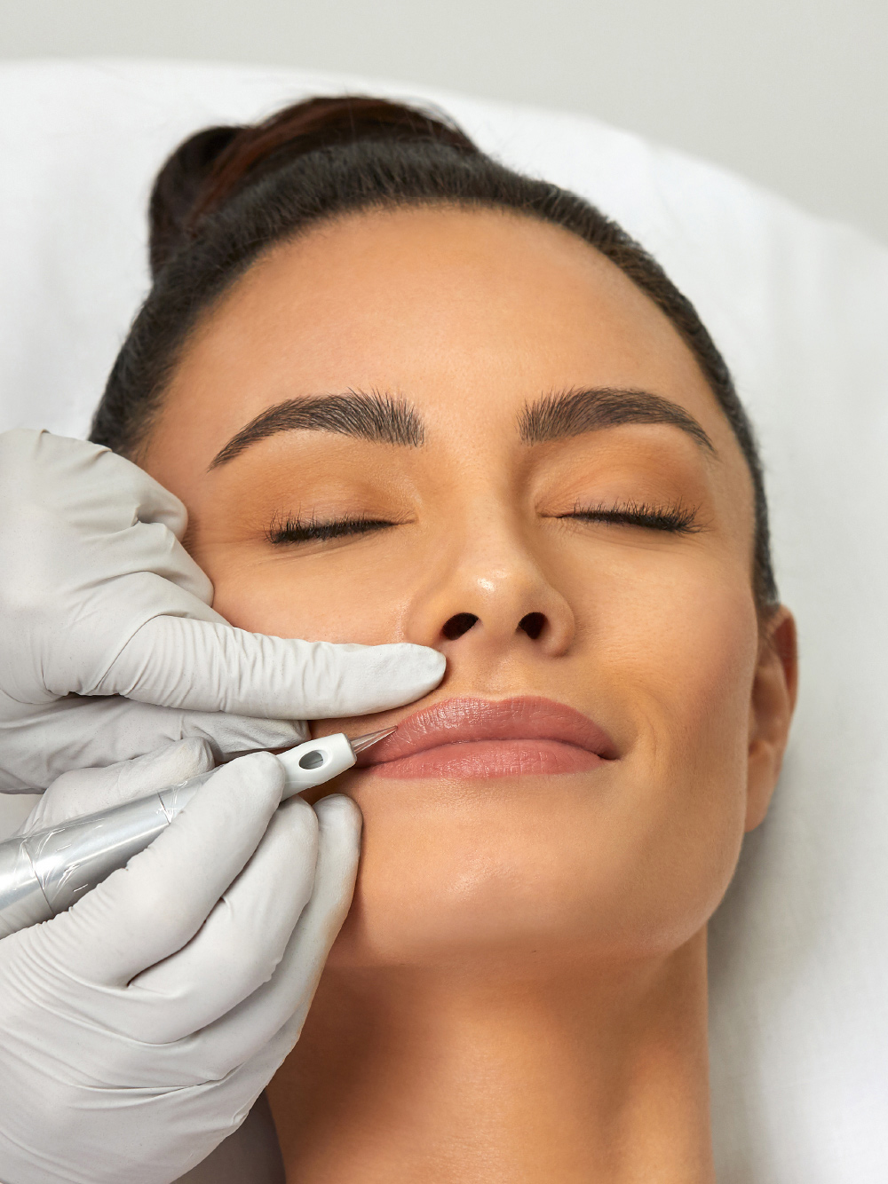 Digital Permanent Makeup for Eyes and Lips image